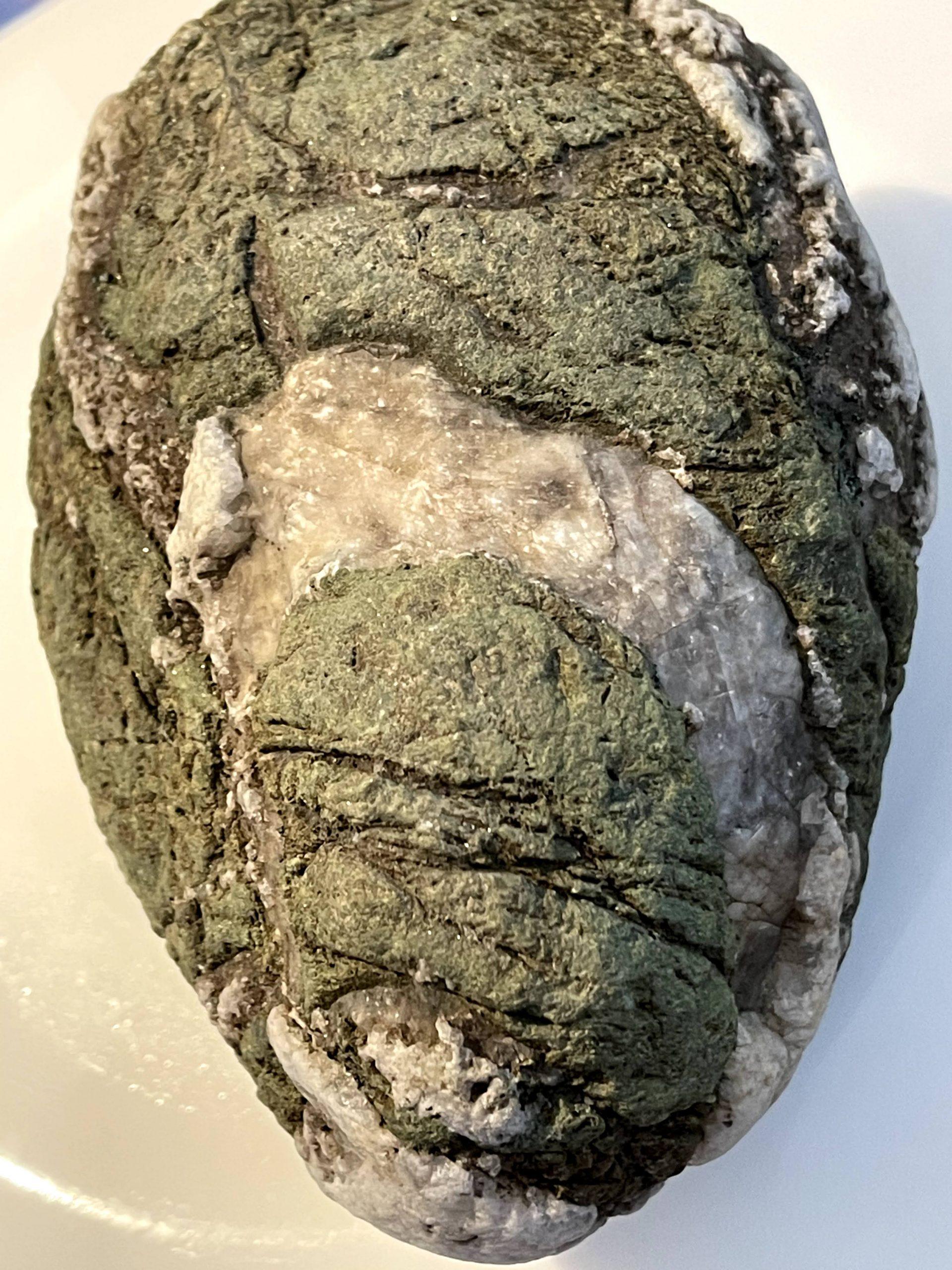Érdekes mintáju kő